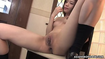 Japanese Uncensored Brunette Fingering Squirt
