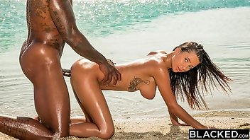 Beach Facial Interracial Blowjob