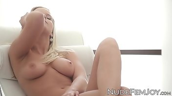 Bus Blonde Babe Solo
